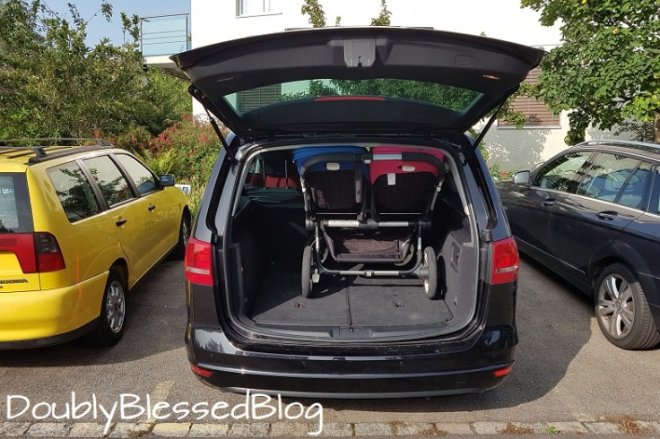 Bugaboo Donkey Hacks als Ganzes im Auto